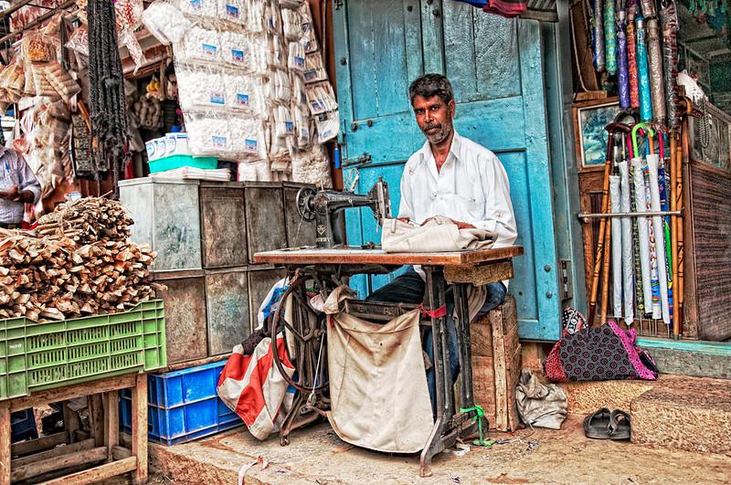 "<p><font size=""4"" face=""Trajan Pro"">Costurero KR Market   - Bangalore  </font></p>"