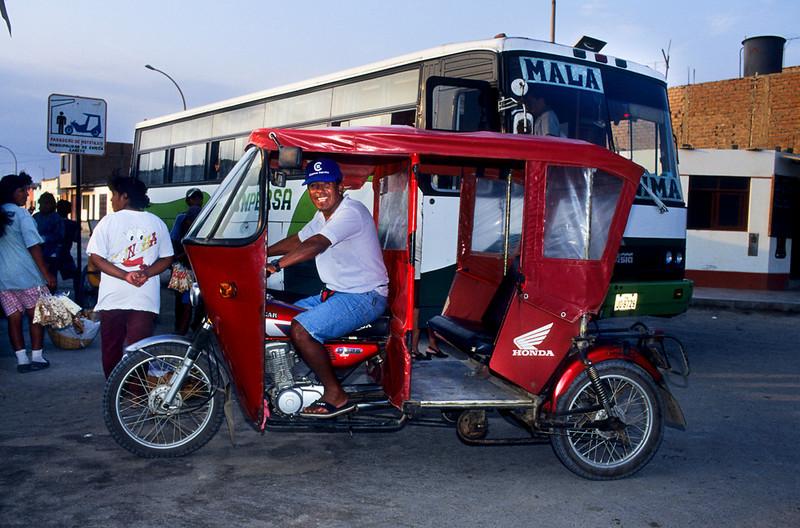 "<p><font size=""4"" face=""Trajan Pro""> Moto taxi - Las Salinas</font></p>"