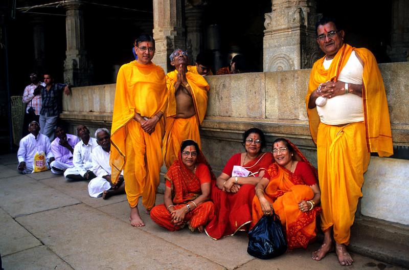 "<p><font size=""4"" face=""Trajan Pro""> Shravanabelagola -Templo Jain </font></p>"