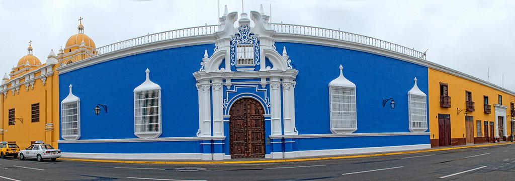 "<p><font size=""4"" face=""Trajan Pro"">Casa Colonial- Trujillo</font></p>"