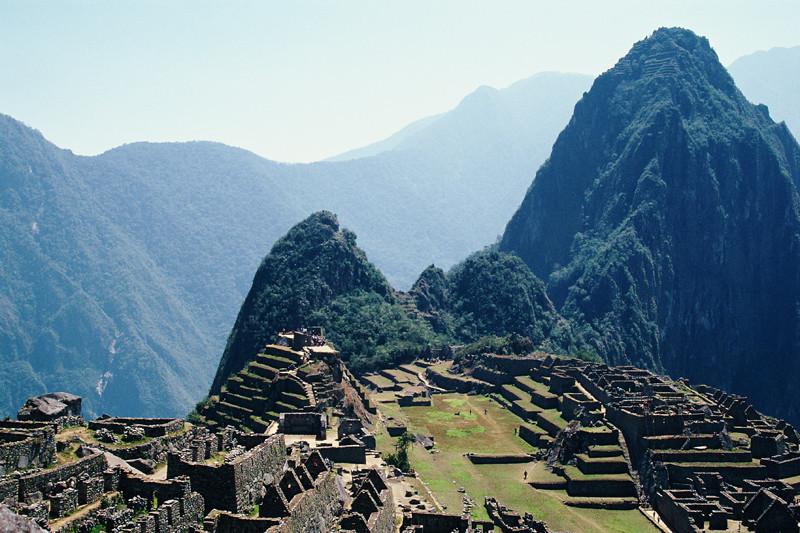 "<p><font size=""4"" face=""Trajan Pro""> Machu Picchu - Cusco</font></p>"