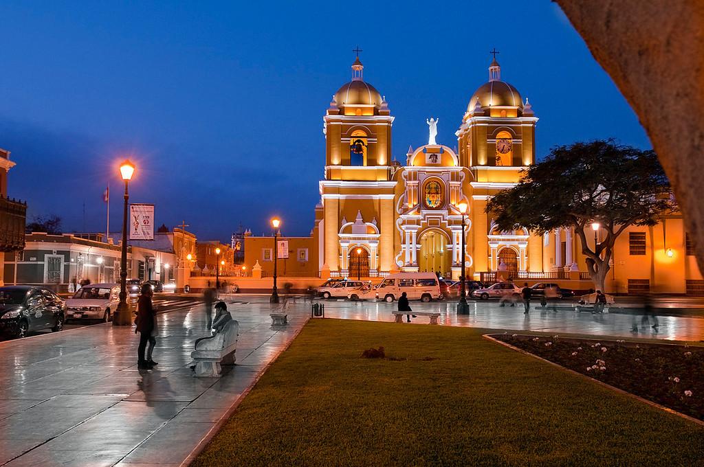 """<p><font size=""""4"""" face=""""Trajan Pro"""">Catedral- Trujillo</font></p>"""