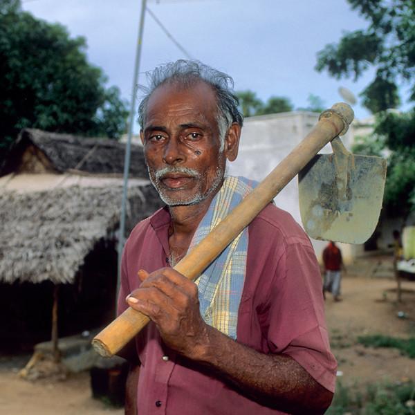 "<p><font size=""4"" face=""Trajan Pro""> Tanjavûr - Tamil Nadu</font></p>"