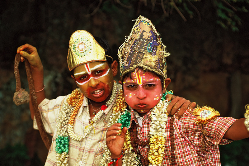 "<p><font size=""4"" face=""Trajan Pro""> Demonio Mahishasura -  Chamundi Hills, Mysore, Karnataka</font></p>"