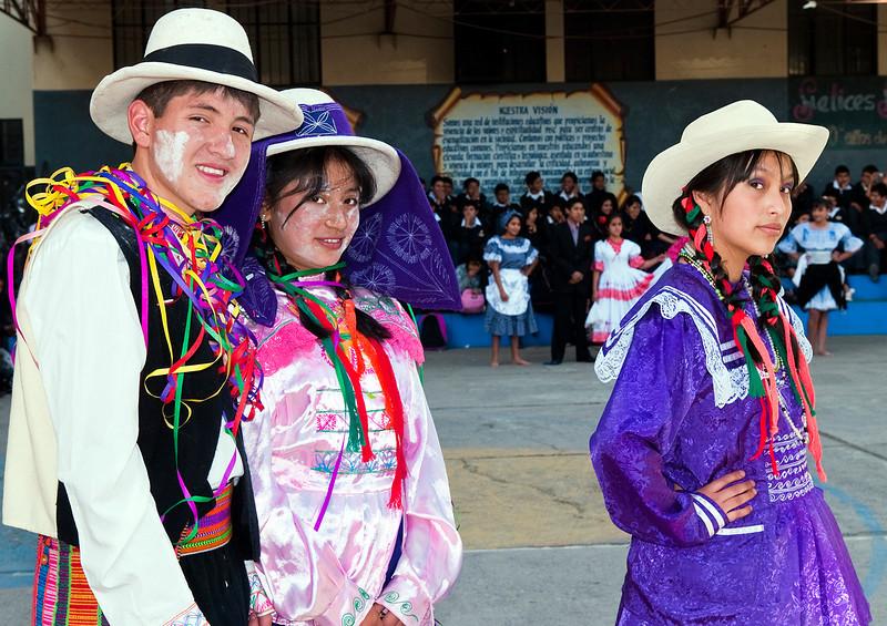 "<p><font size=""4"" face=""Trajan Pro"">Trajes típicos regionales  - Huaraz </font></p>"