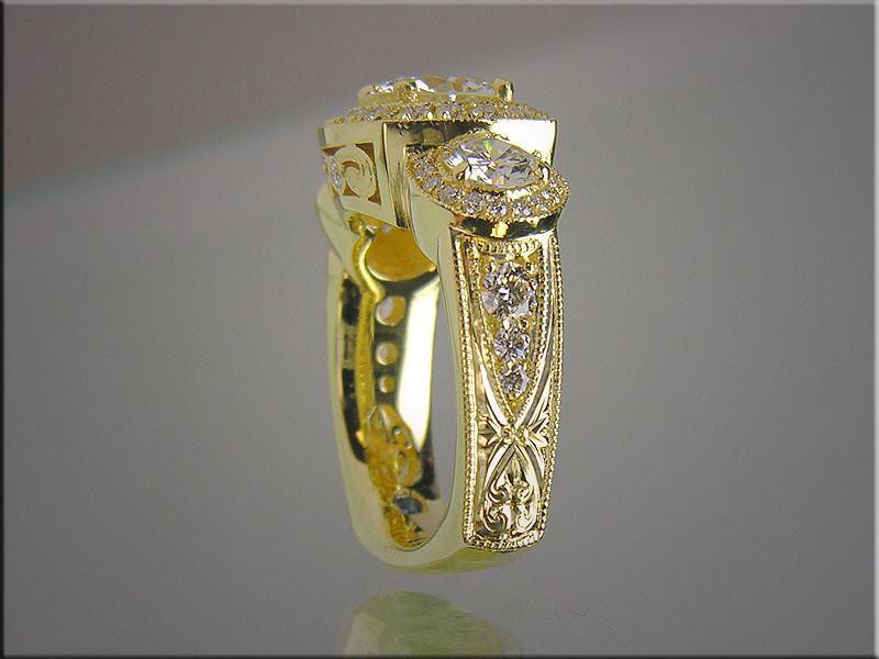 18K yellow gold lady's diamond ring with hand engraving
