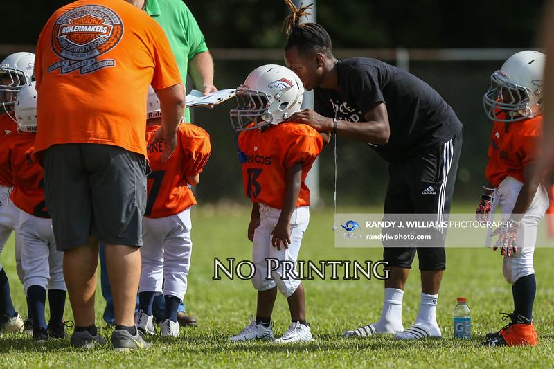 Broncos Titans-1
