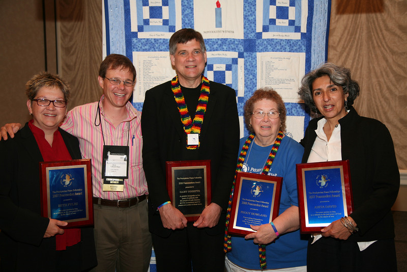 Former Moderator Rick Ufford-Chase with recipients of the 2007 and 2008 Peaceseekers Award
