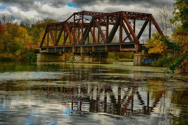 Sept 2017 Rusted Bridge on Welland River, Niagara Falls, Ontario