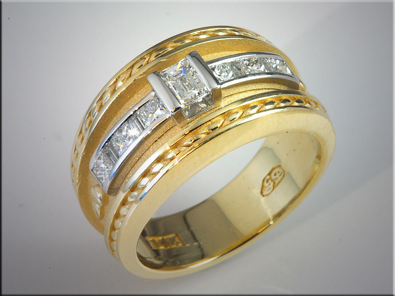p504<br /> 14K Two-Tone Band with Princess Cut Diamonds in White Gold