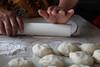 haciendo tortilas
