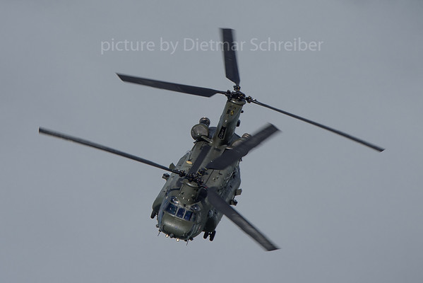 2018-06-09 ZD983 Boeing CH47 Royal Air Force