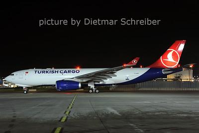 2013-05-08 TC-MCZ AIrbus A330-200 THY