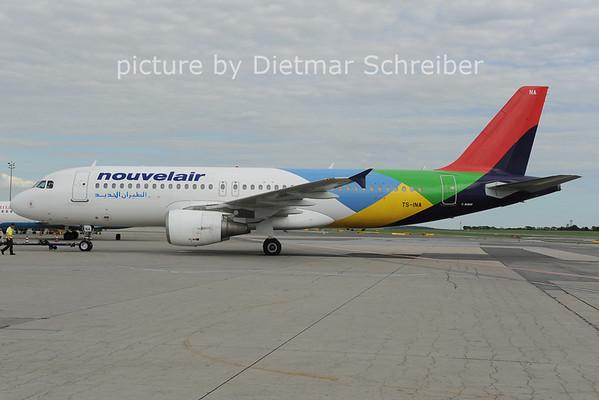 2012-08-07 TS-INA Airbus A320 Nouvelair