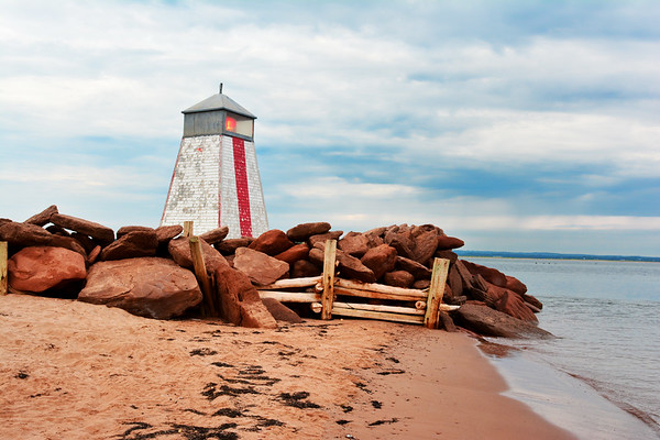 Beach Point Lighthouse and red Rocks
