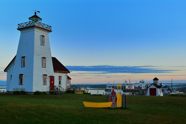 Wood Island Lighthouse and boat