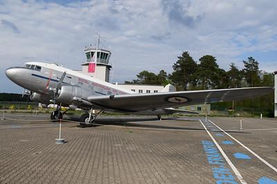 2019-04-27 A65-69 Douglas DC3 Royal Australian Air Force