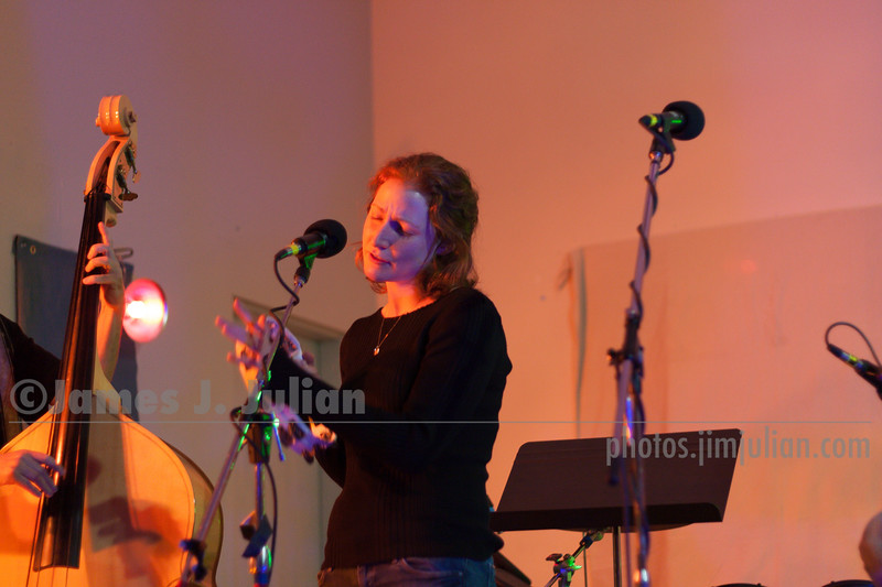 Mollie Israel at Ringwood Live