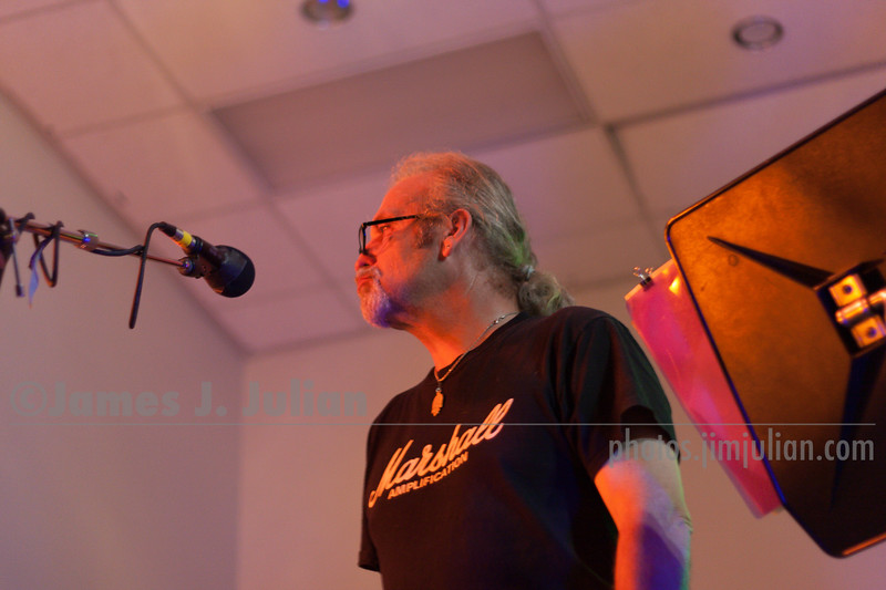 Grant Jardine at Ringwood Live