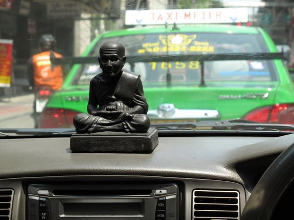 praying taxi