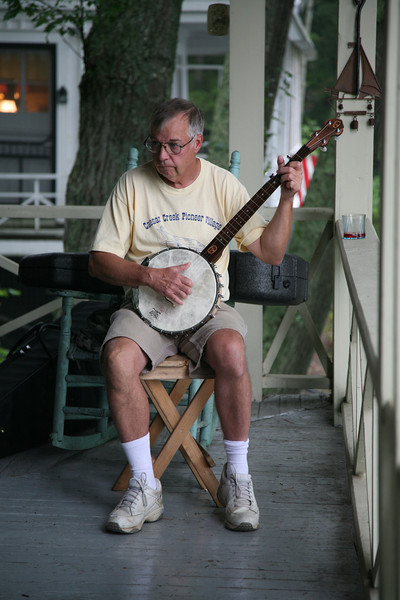 harry and the banjo