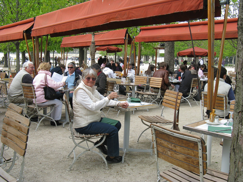tulleries cafe