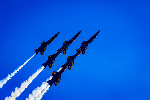 Blue Angels Delta Formation Pitch-Over