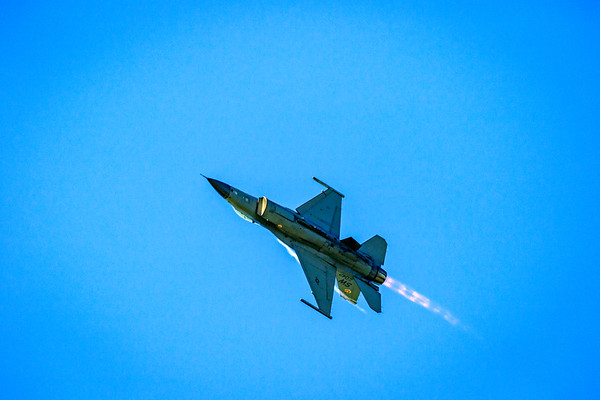 F16 Fighting Falcon Overhead on Afterburners