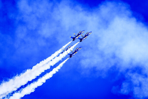 Blue Angels Diamond Formation entering a Pitch-Over maneuver