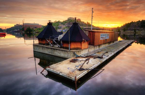 Sauna Sunset Raft
