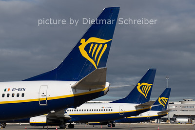 2020-11-17 EI-EKN Boeing 737-800 Ryanair