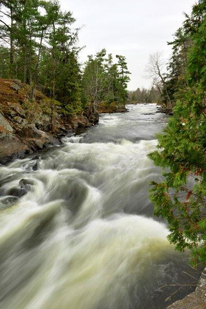 Amazing rapids of the mississippi