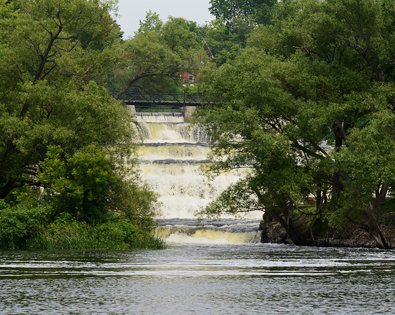 Almonte falls from River