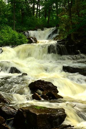 Vertical of Pinehurst falls