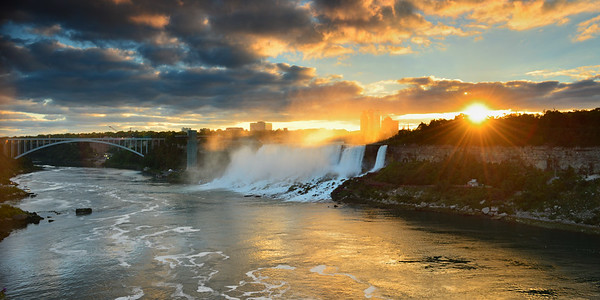 Sunrise over American Falls
