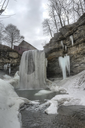 The Decew falls from very bottom with river