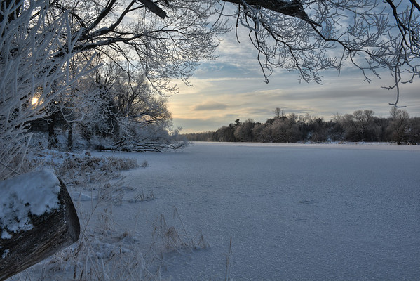 Mississippi River in the cold morning