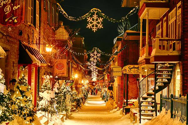 Streets of Quebec City at night - December