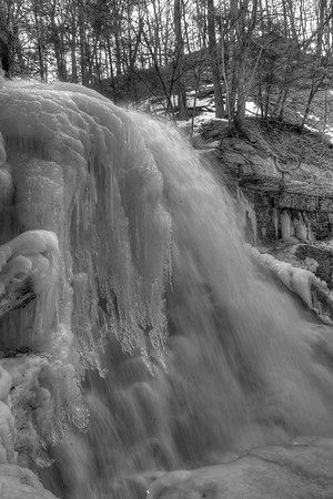 Vertical B&W of Lower Falls