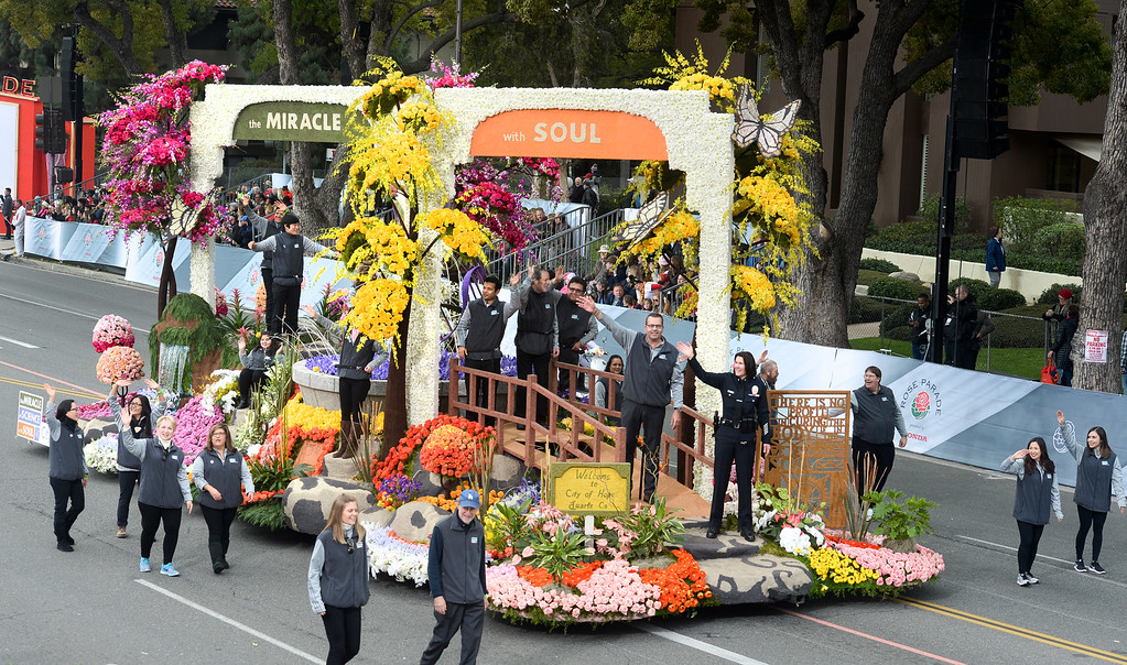 """. The City of Hope Float \""""Miracle of Science with Soul\"""" during the Rose Parade on Colorado Blvd. in Pasadena, Calif. on Monday,  January 2, 2017.  (Photo by Leo Jarzomb/Pasadena Star News/SCNG)"""