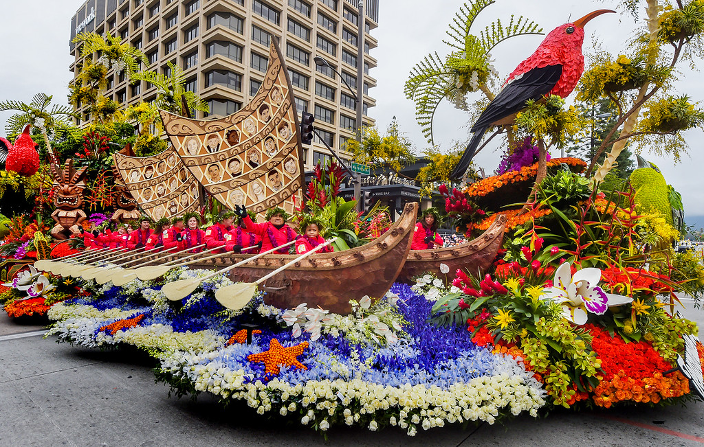 ". Donate Life float, �Teammates in Life�,128th Rose Parade ""Echoes of Success\"". (Photo by Walt Mancini/SCNG)"