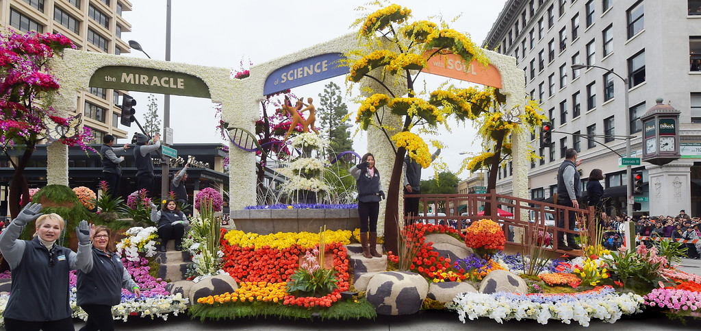 """. City of Hope �The Miracle of Science with Soul�, 128th Rose Parade \""""Echoes of Success\"""". (Photo by Walt Mancini/SCNG)"""