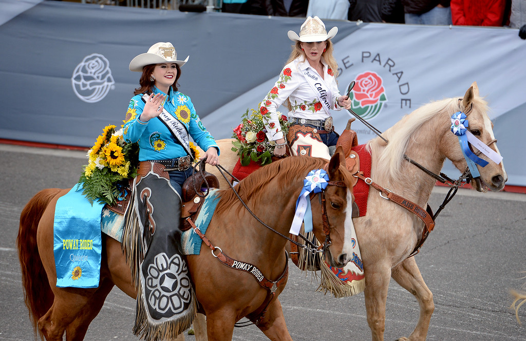 . Kern County Sheriff\'s Mounted Posse of Bakersfield, Calif. during the Rose Parade in Pasadena, Calif. on Monday, Jan. 2, 2017.  (Photo by Leo Jarzomb, SGV Tribune/ SCNG)
