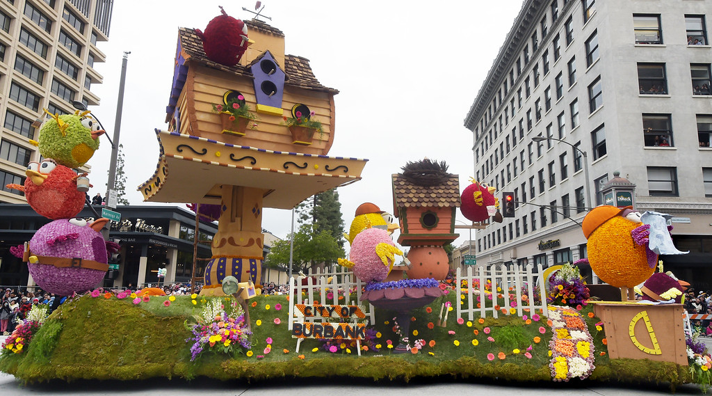 """. Burbank Tournament of Roses Association �HomeTweet Home�, 128th Rose Parade \""""Echoes of Success\"""". (Photo by Walt Mancini/SCNG)"""