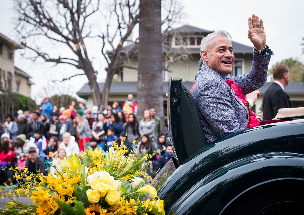 . Grand Marshal Greg Louganis looks to the crowd during the 2017 Rose Parade along Orange Grove Boulevard in Pasadena, Calif. on Monday, Jan. 2, 2017. (Photo by Sarah Reingewirtz, Pasadena Star-News/SCNG)