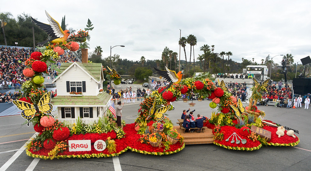 """. The Ragu Pasta Sauce float \""""Simmered in Tradition\"""" wins the National Award during the Rose Parade on Colorado Blvd. in Pasadena, Calif. on Monday,  January 2, 2017.  (Photo by Leo Jarzomb/Pasadena Star News/SCNG)"""