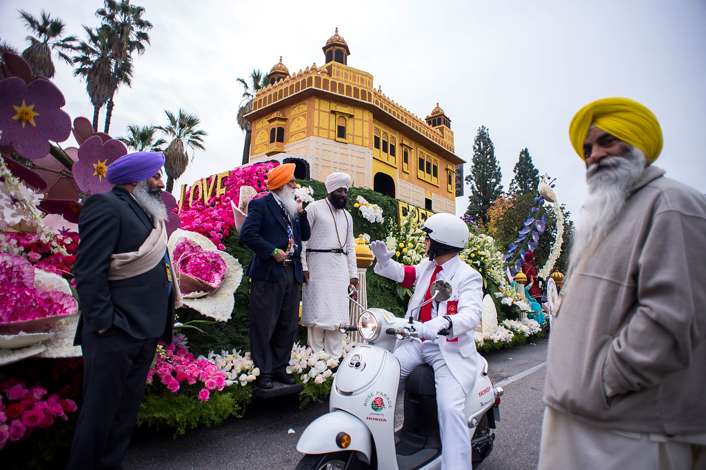 . United Sikh Mission float gets ready to move during the 2017 Rose Parade in Pasadena, Calif. on Monday, Jan. 2, 2017. (Photo by Sarah Reingewirtz, Pasadena Star-News/SCNG)