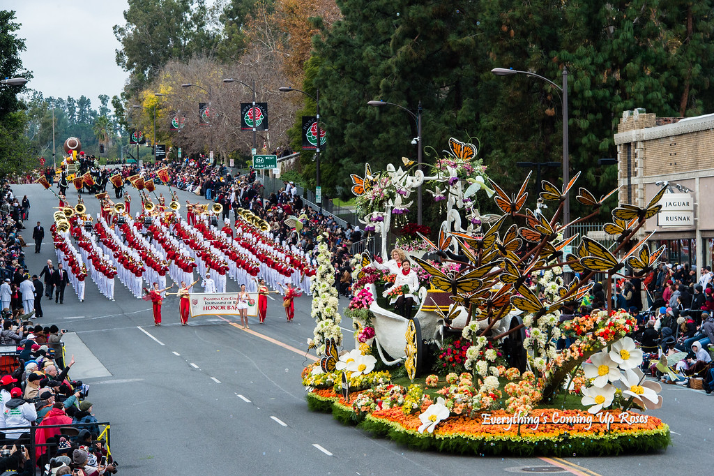. Queen\'s award winner, Miracle-Gro �Everything�s Coming Up Roses� on Colorado Blvd. during the 2017 Rose Parade in Pasadena on Monday, January 2, 2017. (Photo by Watchara Phomicinda, San Gabriel Valley Tribune/ SCNG)