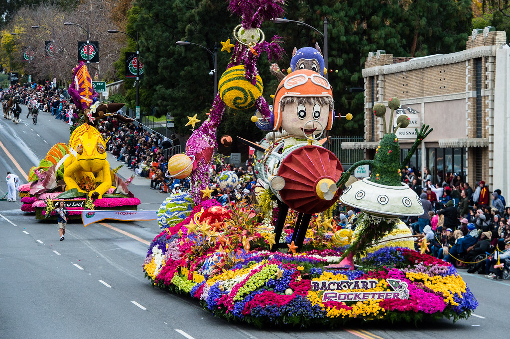 . Bob Hope Humor award winner, La Canada Flintridge Tournament of Roses Association  �Backyard Rocketeer� float on Colorado Blvd. during the 2017 Rose Parade in Pasadena on Monday, January 2, 2017. (Photo by Watchara Phomicinda, San Gabriel Valley Tribune/ SCNG)