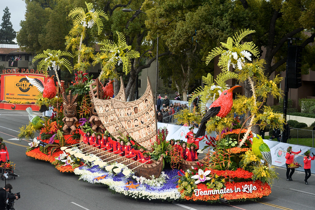". Donate Life wins the Theme Trophy for their float ""Teammates in Life\"" during the Rose Parade on Colorado Blvd. in Pasadena, Calif. on Monday,  January 2, 2017.  (Photo by Leo Jarzomb/Pasadena Star News/SCNG)"